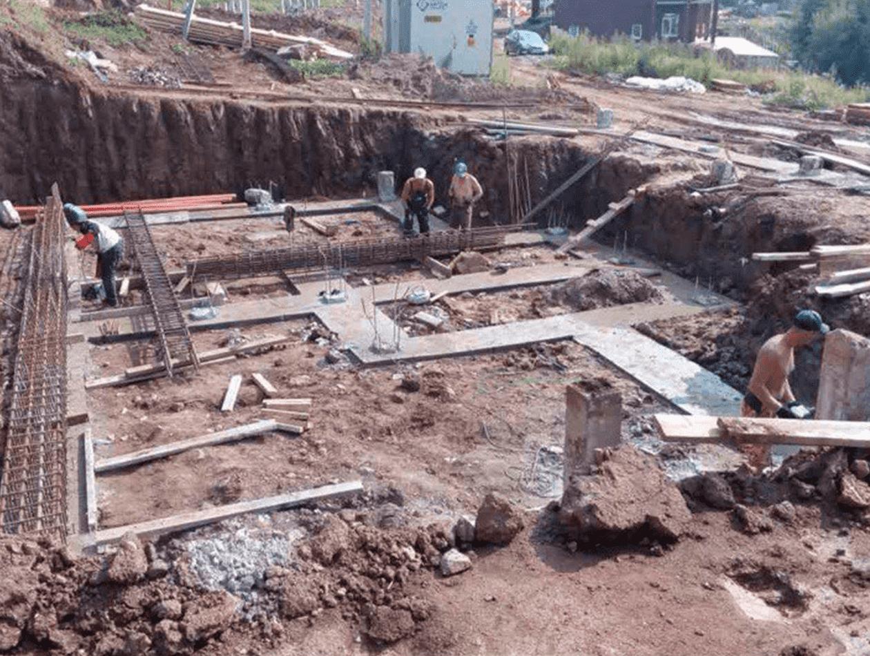 Устройство бетонного основания под выставление опалубки для ростверков