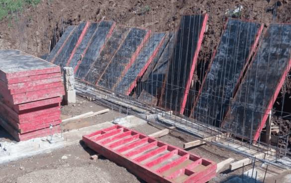 Подготовка опалубочных щитов под заливку монолитных стен