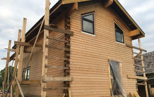 Дом размерами 6*9 из профилированного бруса, монтаж окон